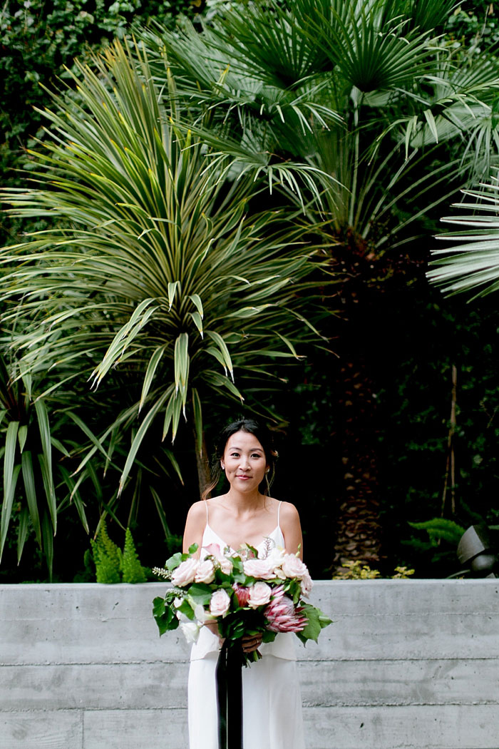 san-francisco-modern-urban-rose-gold-city-hall-wedding-inspiration37