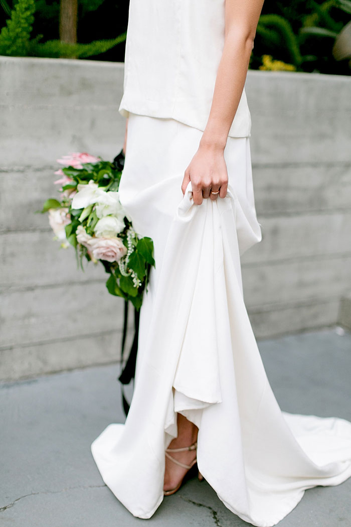 san-francisco-modern-urban-rose-gold-city-hall-wedding-inspiration39