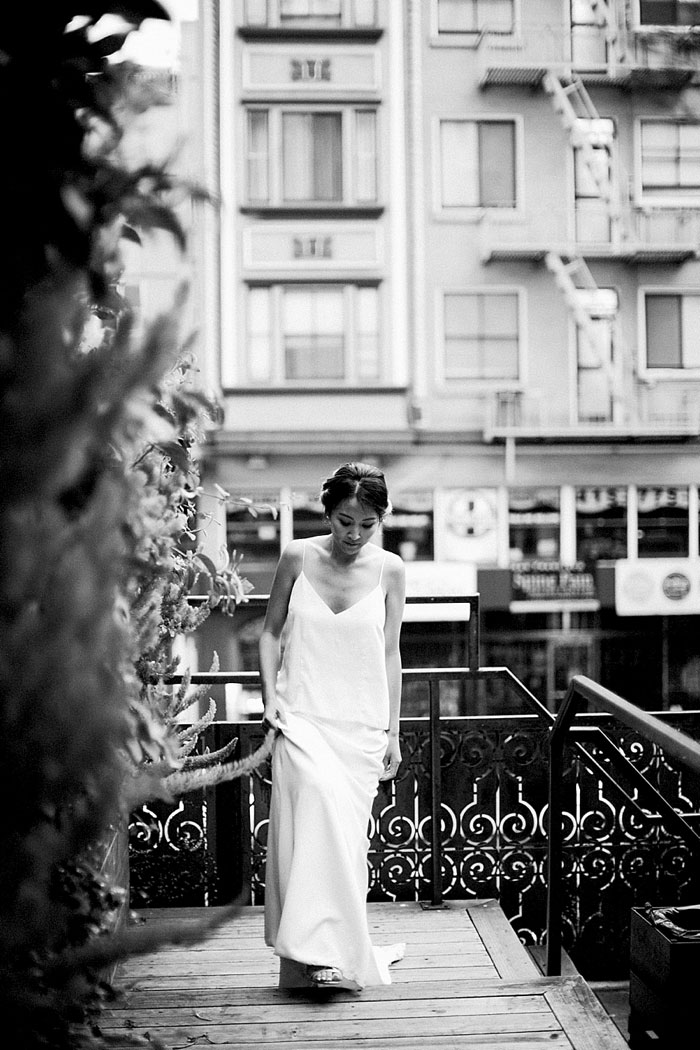 san-francisco-modern-urban-rose-gold-city-hall-wedding-inspiration44