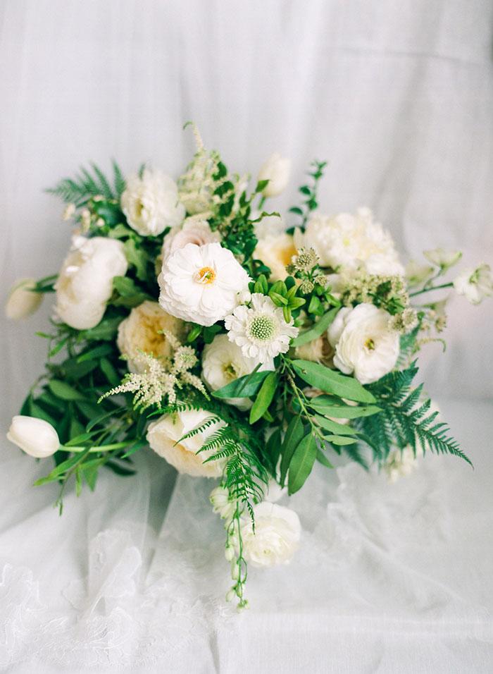 boulder-colorado-pink-blue-floral-wedding-inspiration04
