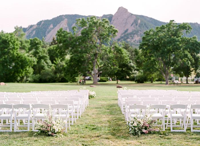boulder-colorado-pink-blue-floral-wedding-inspiration22