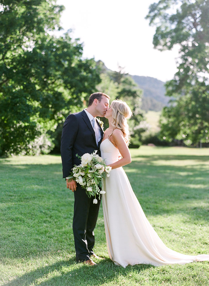 boulder-colorado-pink-blue-floral-wedding-inspiration32