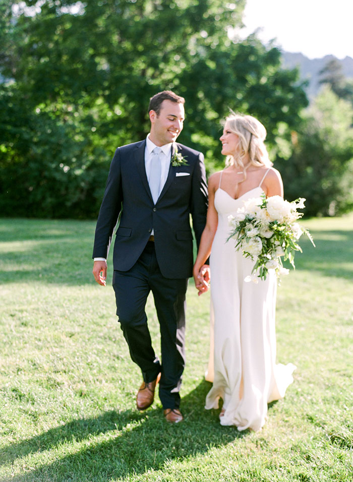 boulder-colorado-pink-blue-floral-wedding-inspiration34