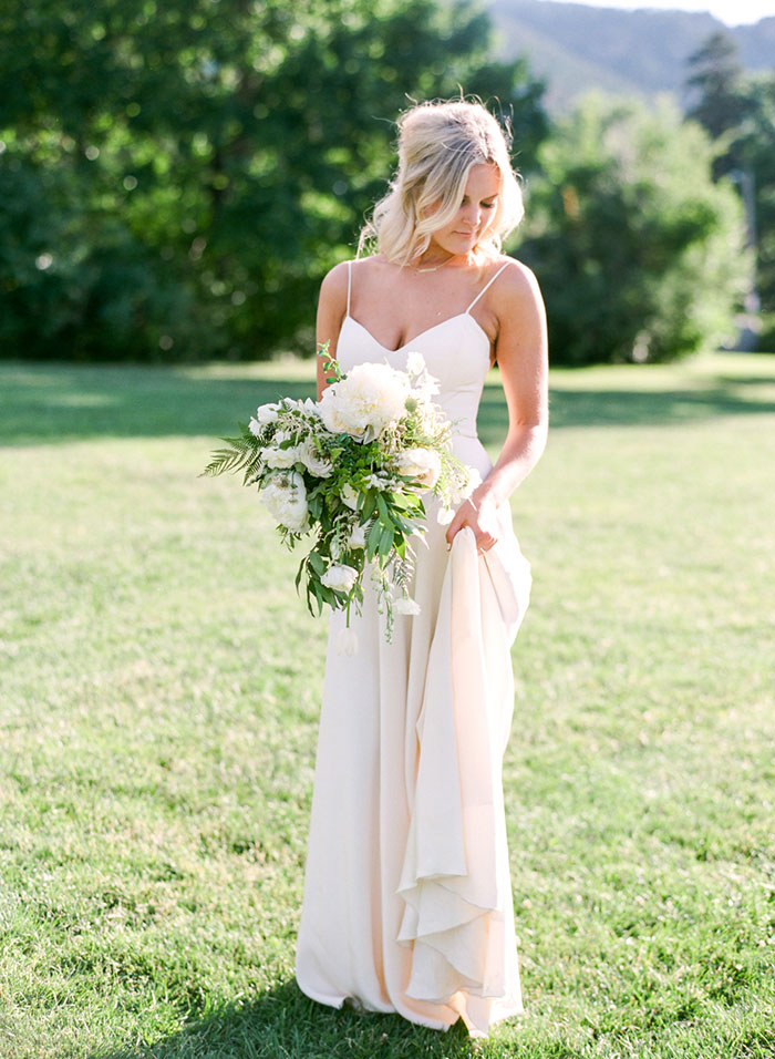 boulder-colorado-pink-blue-floral-wedding-inspiration36