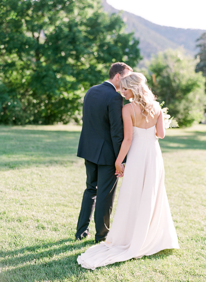 boulder-colorado-pink-blue-floral-wedding-inspiration38