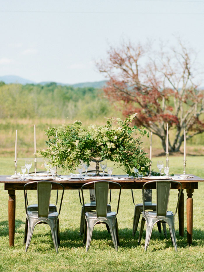 newberry-manor-farmhouse-blue-peach-wedding-inspiration09