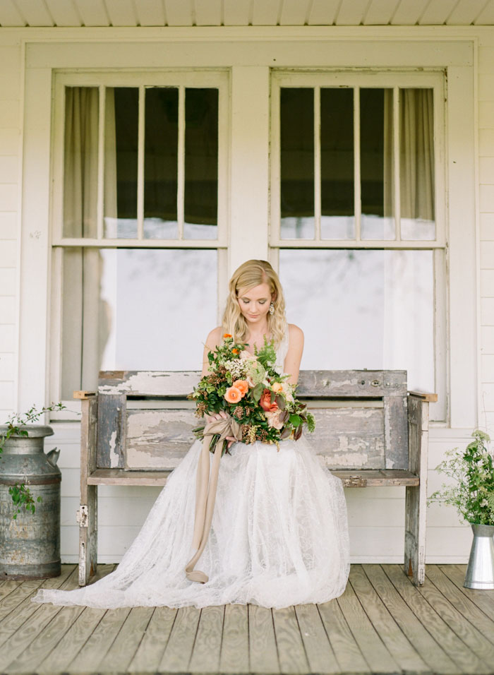 newberry-manor-farmhouse-blue-peach-wedding-inspiration31