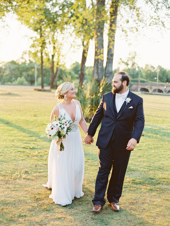 savannah-georgia-blush-navy-wedding-inspiration39