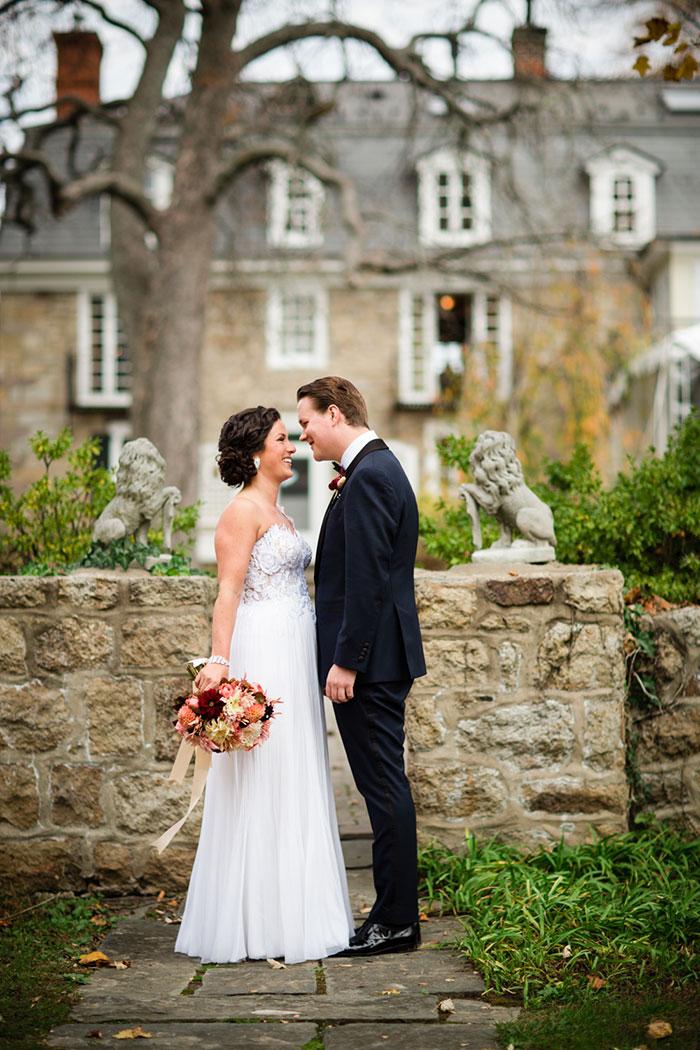 the-inn-at-barley-sheaf-rustic-fall-farm-dahlia-wedding-inspiration02