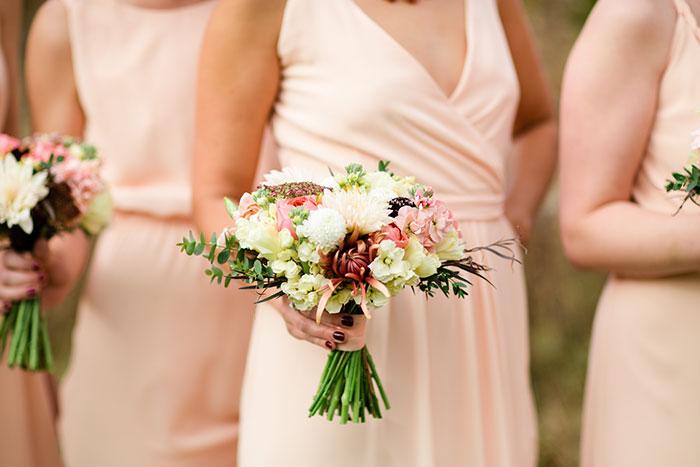 the-inn-at-barley-sheaf-rustic-fall-farm-dahlia-wedding-inspiration14