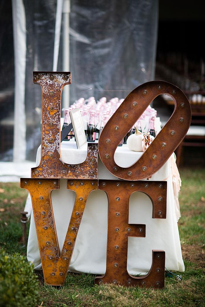 the-inn-at-barley-sheaf-rustic-fall-farm-dahlia-wedding-inspiration23