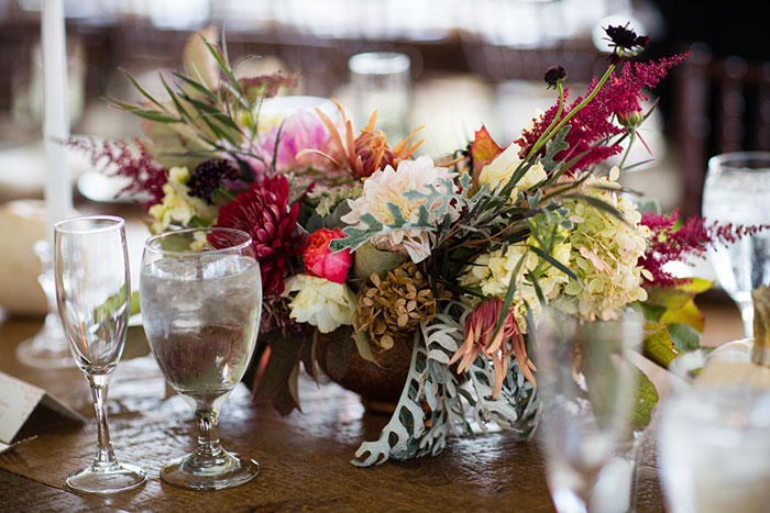 the-inn-at-barley-sheaf-rustic-fall-farm-dahlia-wedding-inspiration44