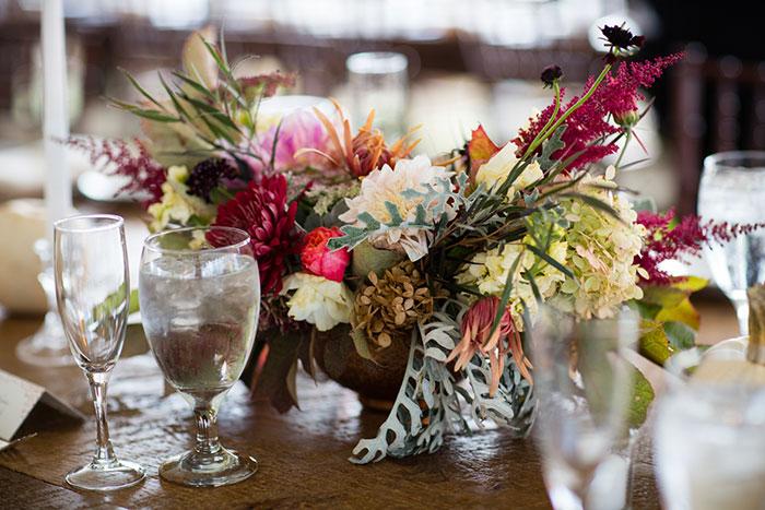 the-inn-at-barley-sheaf-rustic-fall-farm-dahlia-wedding-inspiration44