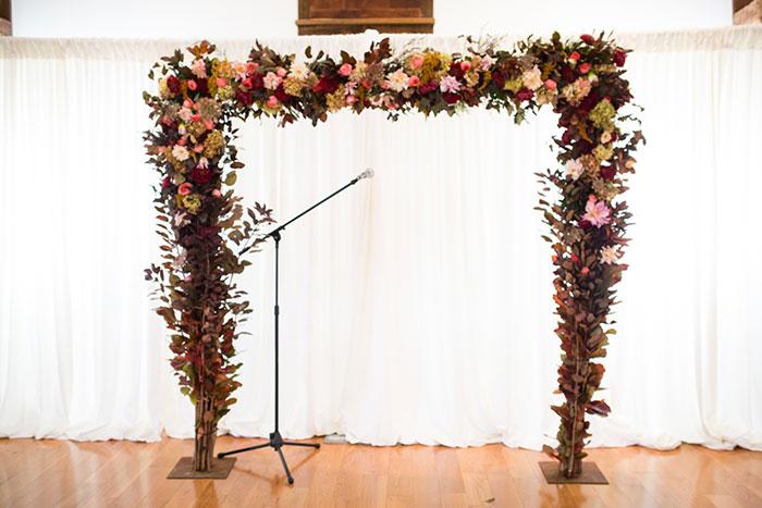 the-inn-at-barley-sheaf-rustic-fall-farm-dahlia-wedding-inspiration46
