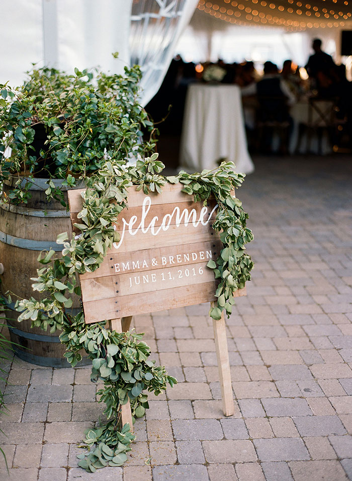 the-inn-on-the-lake-finger-lake-ny-tent-wedding-inspiration17