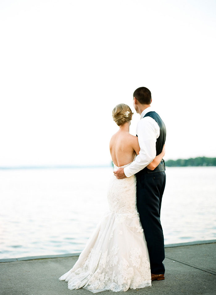 the-inn-on-the-lake-finger-lake-ny-tent-wedding-inspiration51