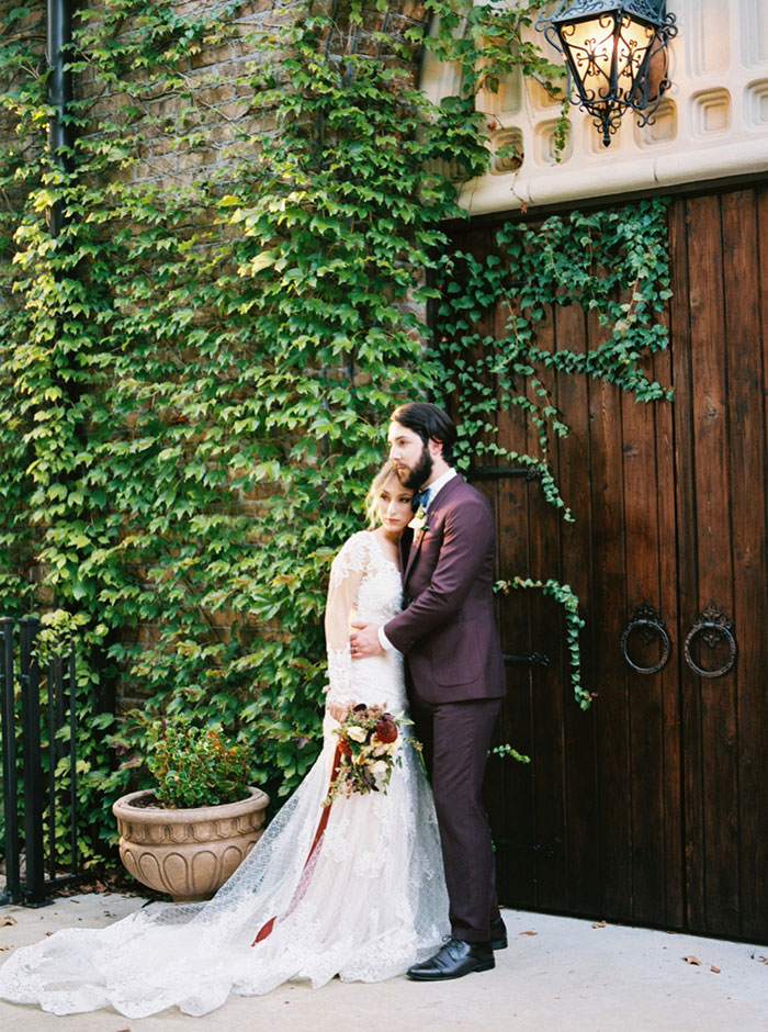 aristide-mansfield-dallas-fall-old-world-elegance-floral-wedding-inspiration03
