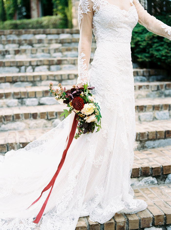 aristide-mansfield-dallas-fall-old-world-elegance-floral-wedding-inspiration22