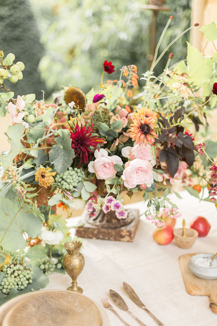autumn-secret-garden-dahlia-european-wedding-inspiration42
