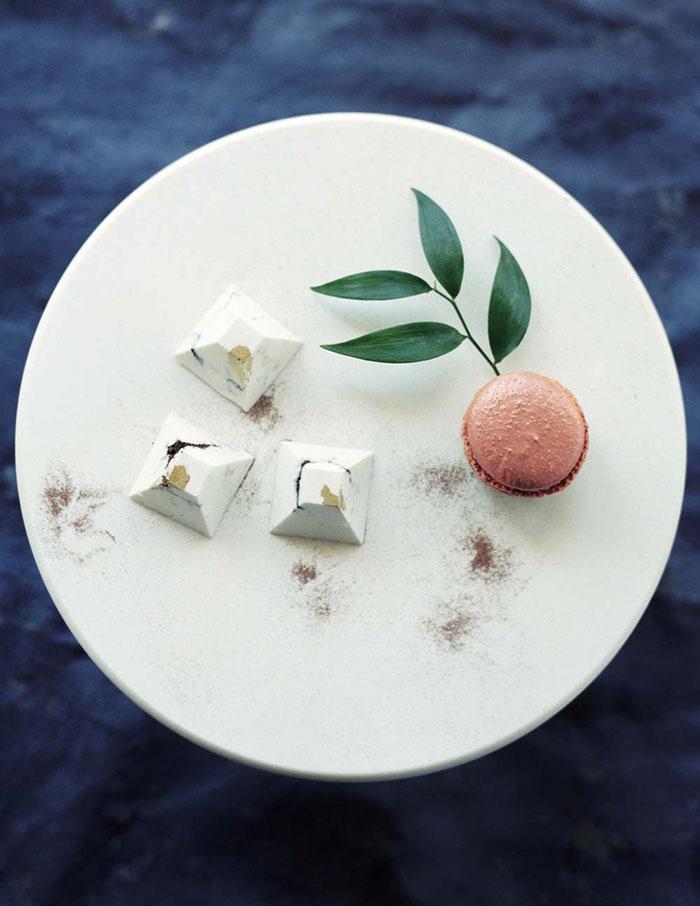 ethereal-lavender-hued-beach-boho-inspiration-shoot08