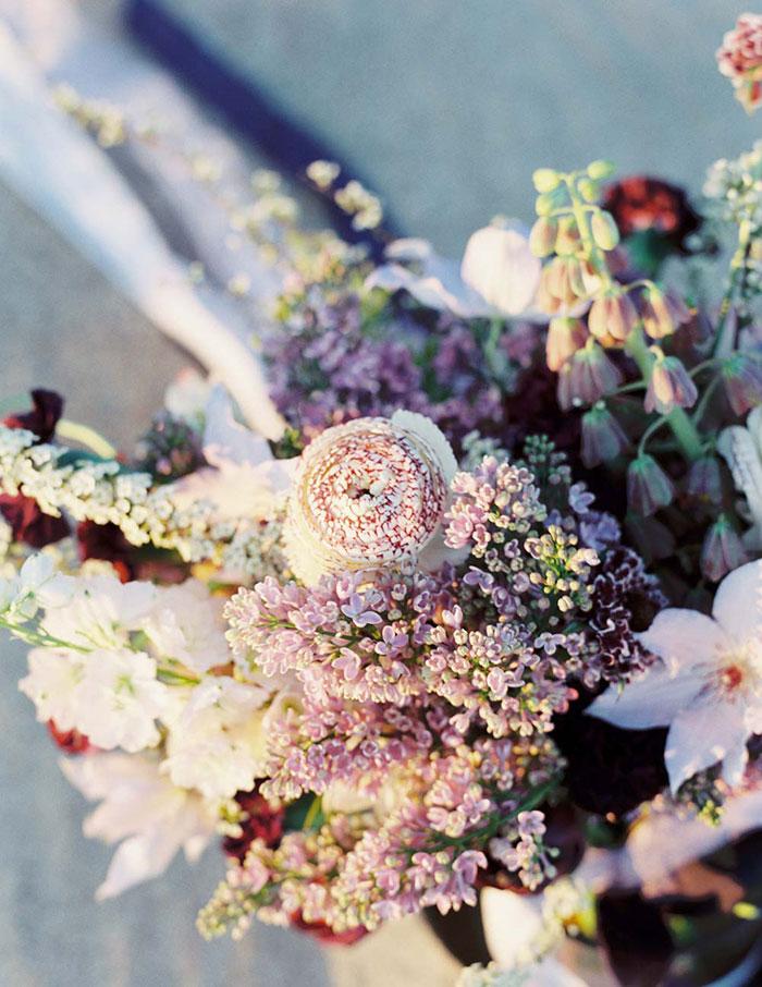 ethereal-lavender-hued-beach-boho-inspiration-shoot14