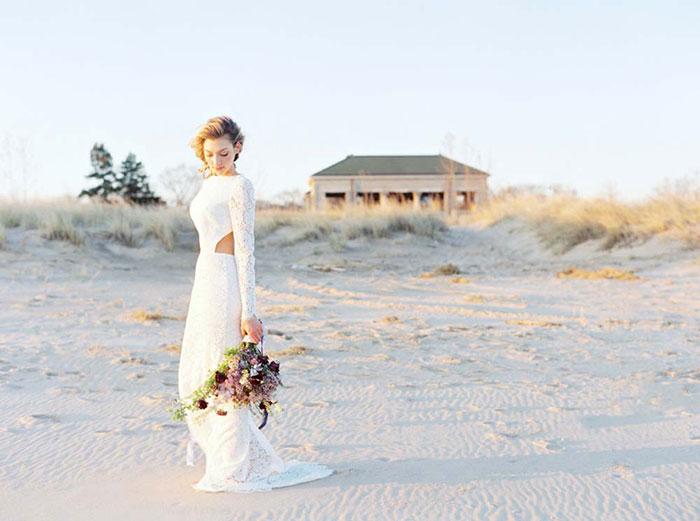 ethereal-lavender-hued-beach-boho-inspiration-shoot15
