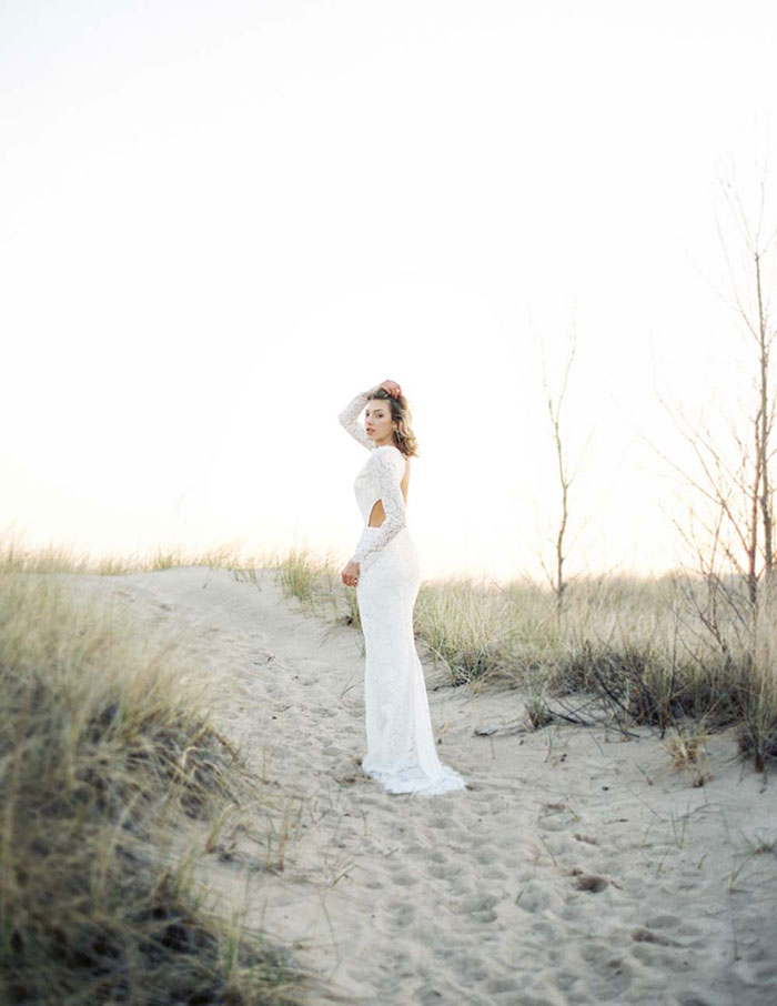 ethereal-lavender-hued-beach-boho-inspiration-shoot17