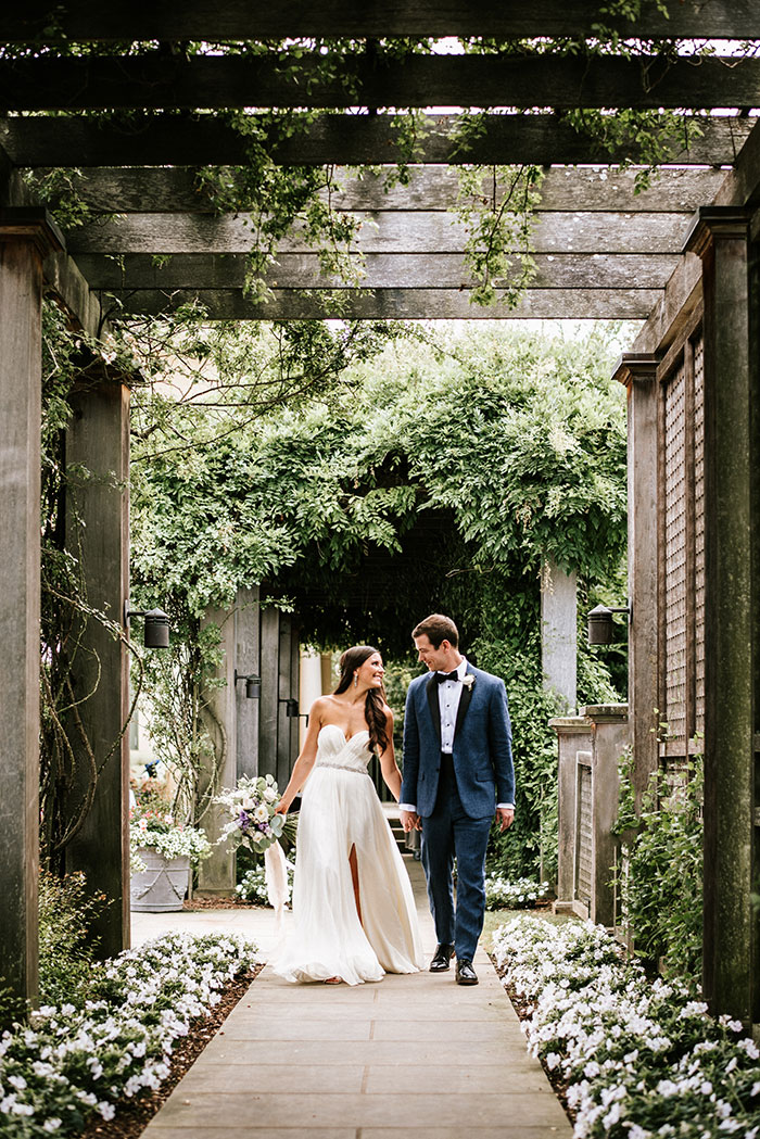 keswick-vineyards-virginia-lavender-blue-food-truck-leanne-marshall-wedding-inspiration11