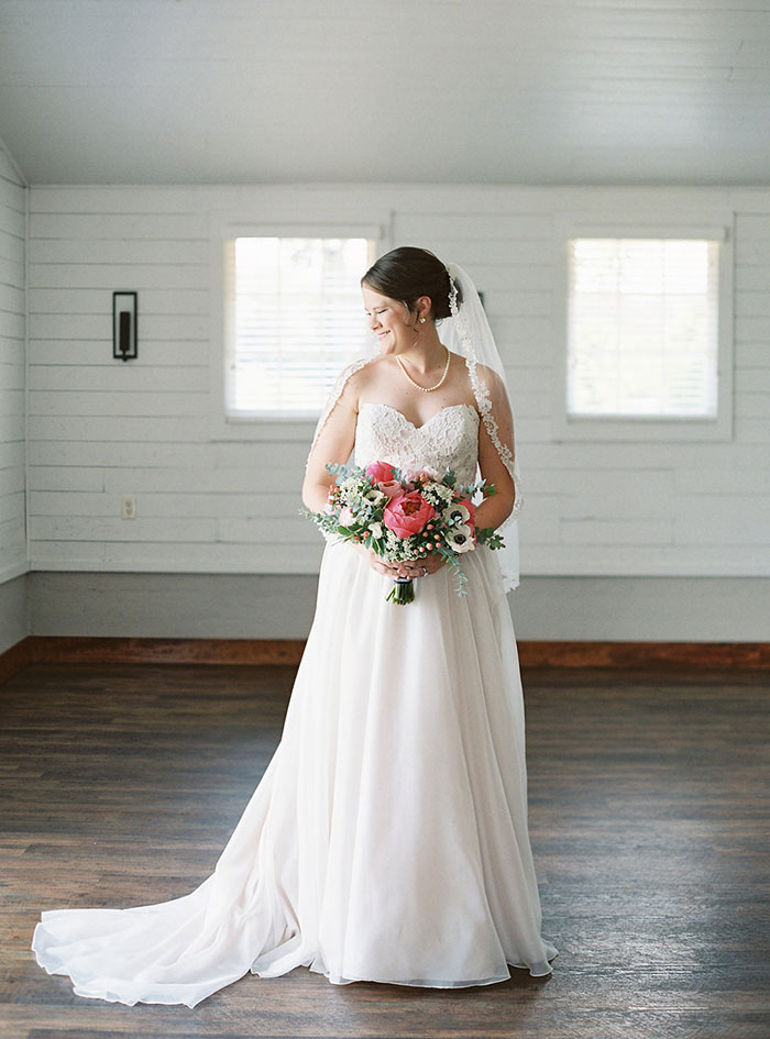 winmock-at-kinderton-north-carolina-preppy-barn-stripe-peony-wedding-inspiration38