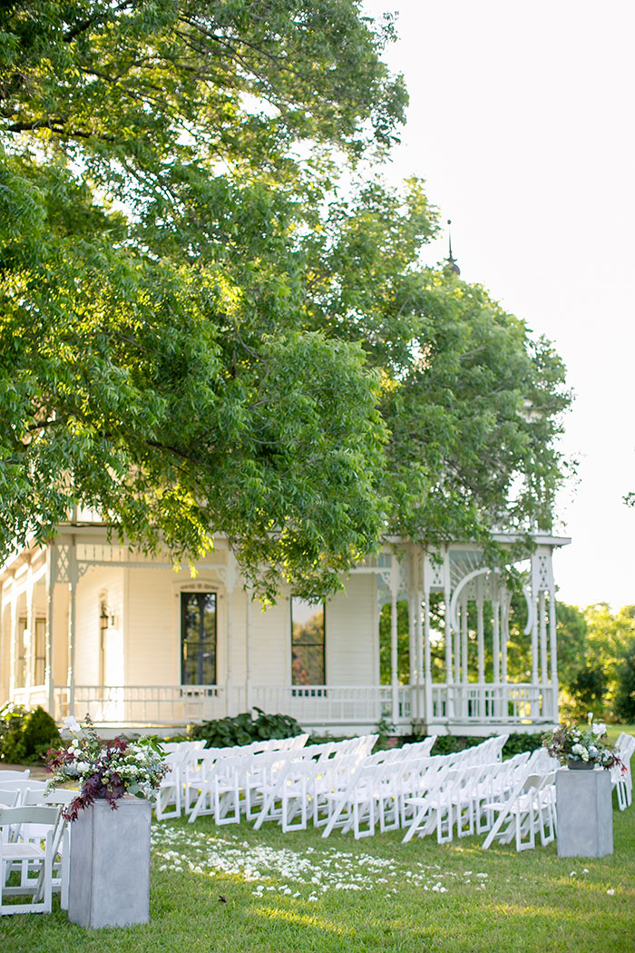 austin-texas-barr-mansion-vintage-green-geology-wedding-inspiration18