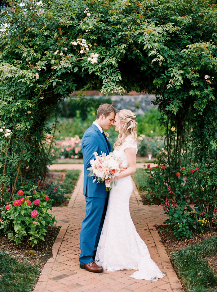 biltmore-romantic-spring-floral-blue-vintage-car-wedding-inspiration46