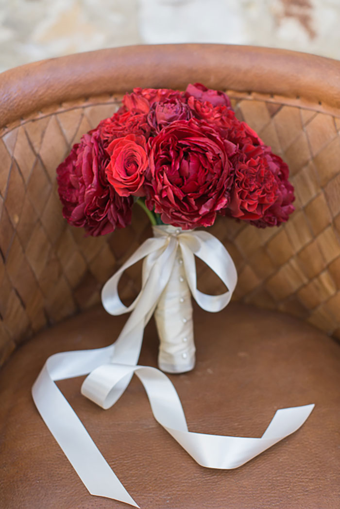 holman-ranch-carmel-valley-red-vintage-rustic-winter-wedding-inspiration04