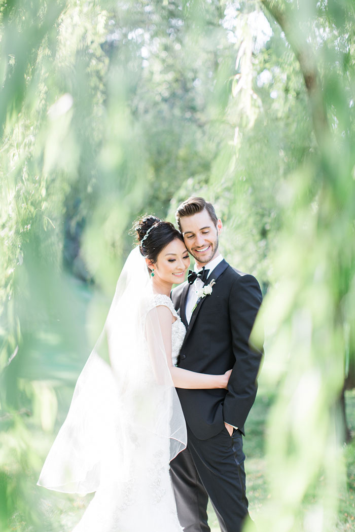 meadowood-napa-valley-modern-glam-orchid-wedding-inspiration19