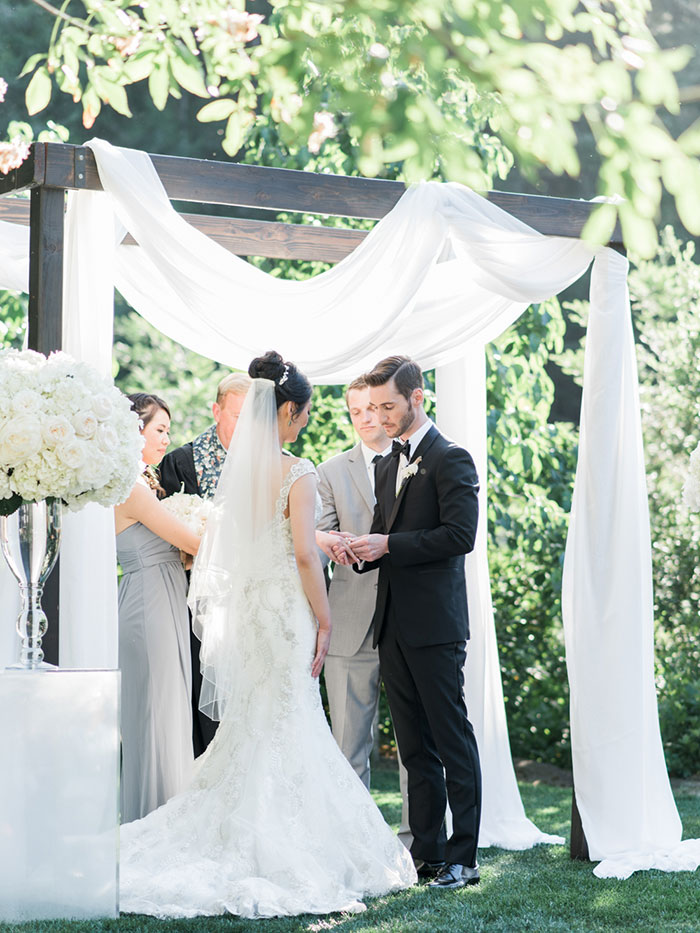 meadowood-napa-valley-modern-glam-orchid-wedding-inspiration28