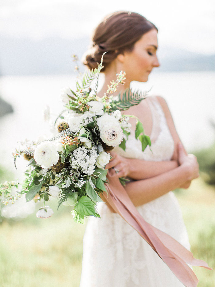 pacific-northwest-columbia-river-rustic-vintage-floral-blue-wedding-inspiration33