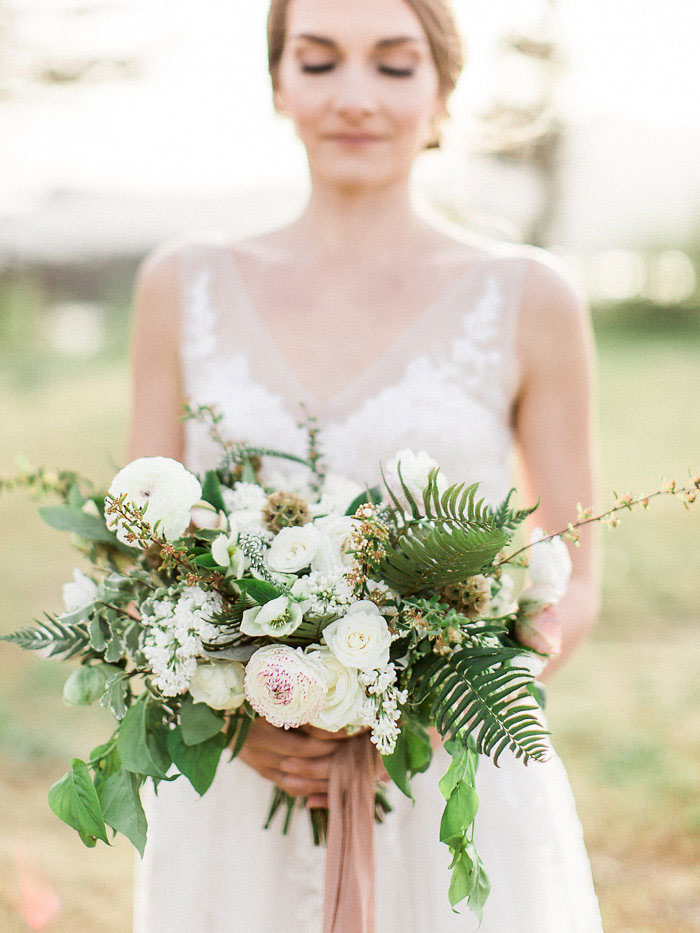 pacific-northwest-columbia-river-rustic-vintage-floral-blue-wedding-inspiration45