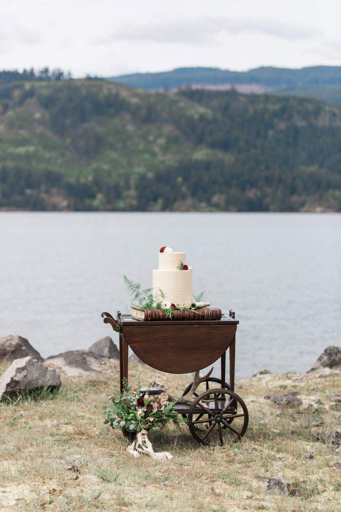 pacific-northwest-columbia-river-rustic-vintage-floral-blue-wedding-inspiration65