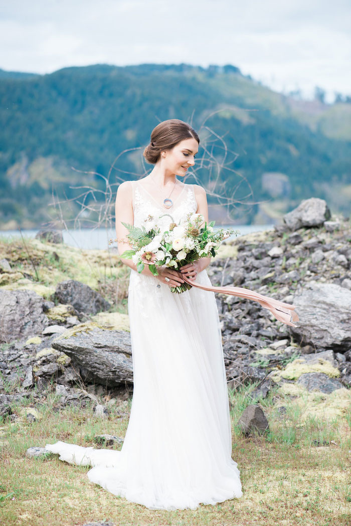 pacific-northwest-columbia-river-rustic-vintage-floral-blue-wedding-inspiration88