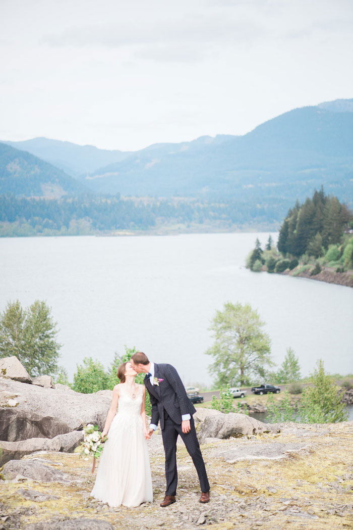 pacific-northwest-columbia-river-rustic-vintage-floral-blue-wedding-inspiration92