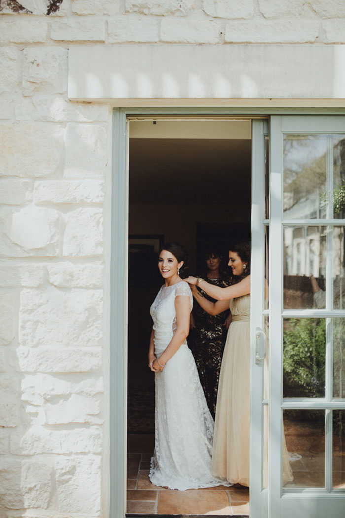san-antonio-hyatt-regency-hill-country-resort-lace-elegant-white-wedding-inspiration03