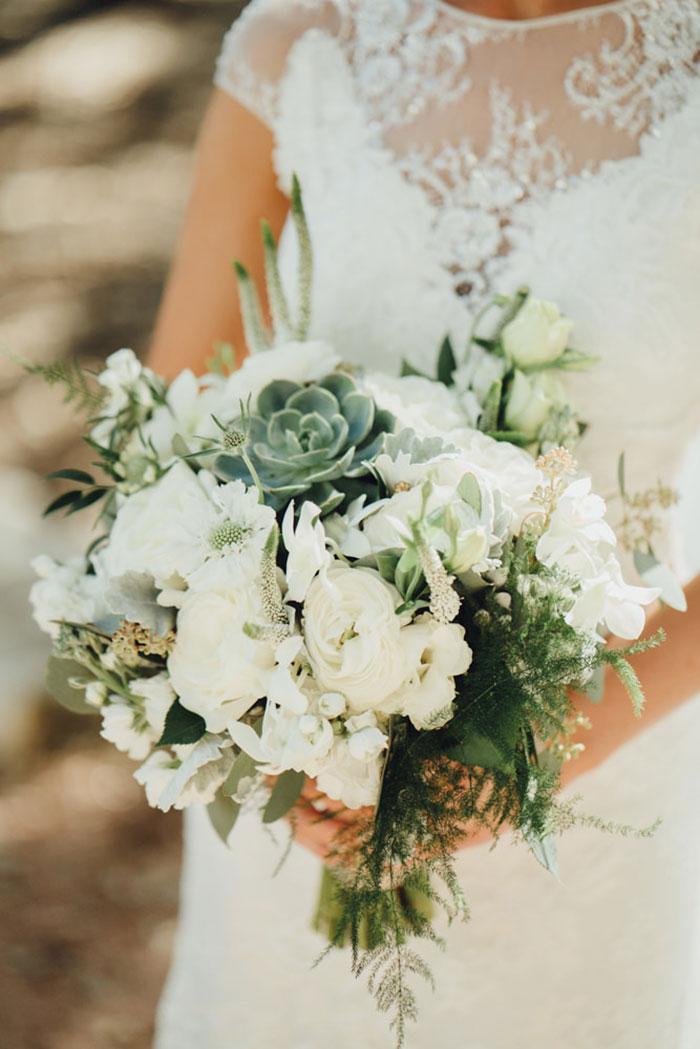 san-antonio-hyatt-regency-hill-country-resort-lace-elegant-white-wedding-inspiration05