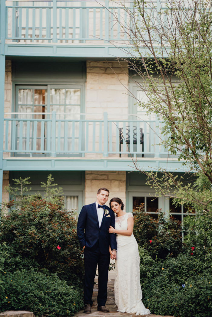 san-antonio-hyatt-regency-hill-country-resort-lace-elegant-white-wedding-inspiration16