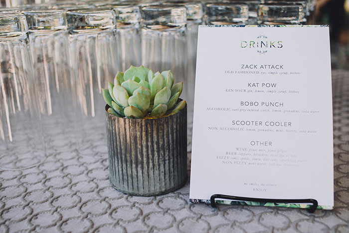 smogshoppe-los-angeles-yellow-succulent-modern-zoo-inspired-wedding-ideas21