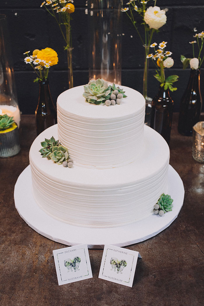 smogshoppe-los-angeles-yellow-succulent-modern-zoo-inspired-wedding-ideas27