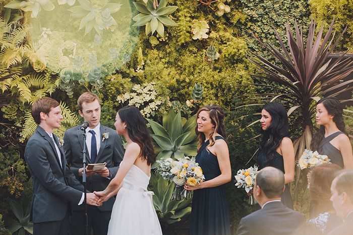 smogshoppe-los-angeles-yellow-succulent-modern-zoo-inspired-wedding-ideas35