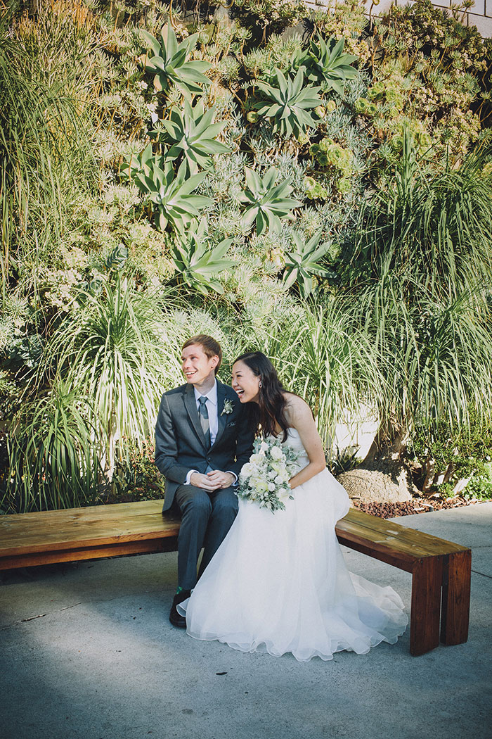 smogshoppe-los-angeles-yellow-succulent-modern-zoo-inspired-wedding-ideas37