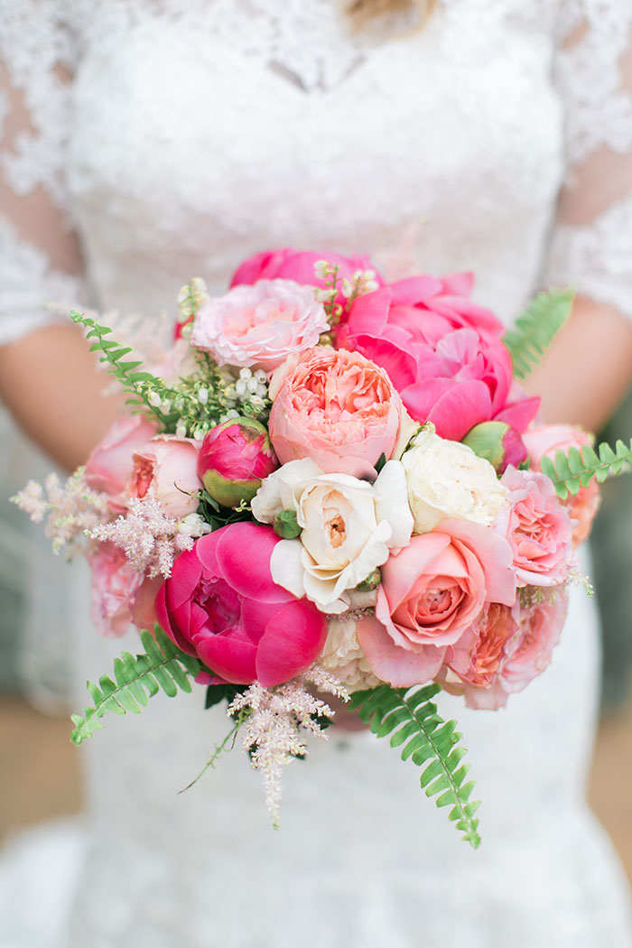 viansa-sonoma-wine-country-pink-peony-gold-wedding-inspiration07