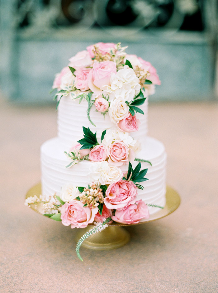 viansa-sonoma-wine-country-pink-peony-gold-wedding-inspiration47