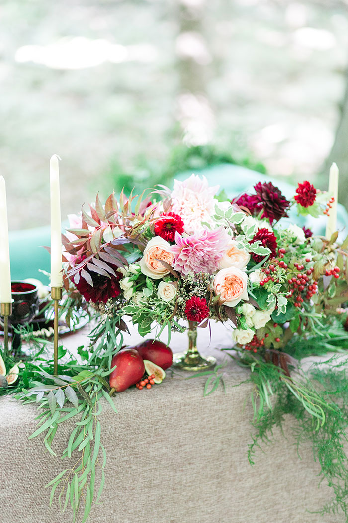 woodlands-lush-red-china-floral-bohemian-wedding-inspiration03