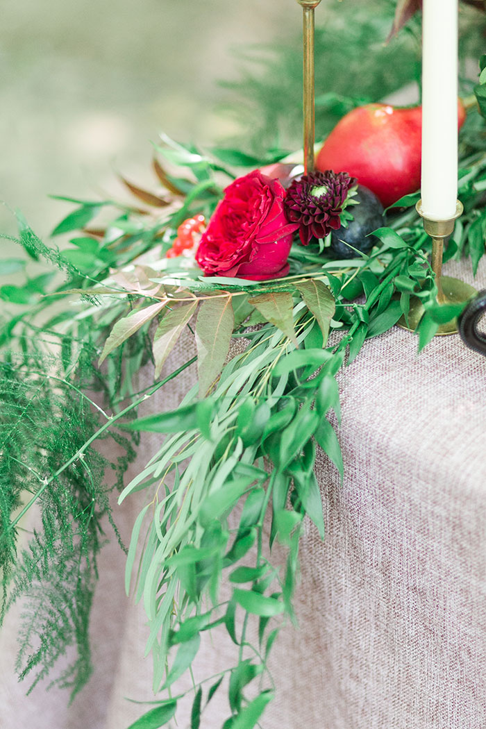 woodlands-lush-red-china-floral-bohemian-wedding-inspiration04